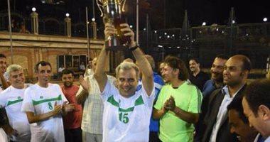 بالصور.. جابر نصار يقود فريق جامعة القاهرة للكرة الخماسية للفوز بأمسية رياضية