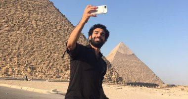 أهم 10 بوستات اليوم.. محمد صلاح ينشر مجموعة صور من أمام الأهرامات