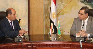 محافظ الفيوم يلتقى رئيس قطاع الحسابات والمديريات المالية