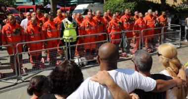 بالصور.. وقفة صامتة لرجال الإطفاء فى بريطانيا لتأبين ضحايا حريق برج لندن