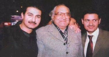 ياسر جلال وشقيقه رامز ووالدهما المخرج المسرحي