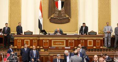 النائب سمير أبو طالب يلتقى رئيس الوزراء للمطالبة بتقنيين السفر لليبيا