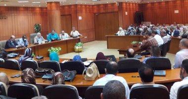 محافظ بورسعيد يبحث الإستعداد للعام الدراسى الجديد