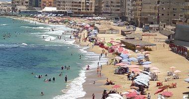 """""""إعرف حقك"""".. حملة بالإسكندرية للتوعية بأسعار الشواطئ (صور)"""