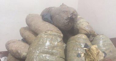 المعملان الجنائي والكيماوى يفحصان أحراز 4 من تجار المخدرات بأوسيم -