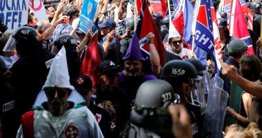 انتقادات حادة لأداء شرطة شارلوتسفيل الأمريكية بعد أعمال العنف