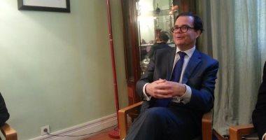 وزير الإسكان والسفير الفرنسى بالقاهرة يبحثان فرص الاستثمار بالمدن الجديدة