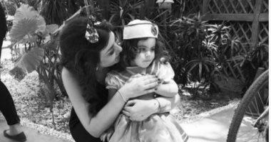 """يارا نعوم تنشر صورة جديدة مع ابنتها سيلين على """"إنستجرام"""""""