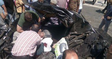 مصرع شخص وإصابة آخر فى تصادم سيارتين بالشيخ زايد