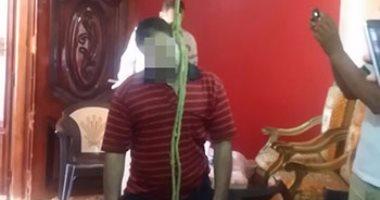 عامل يقدم على الإنتحار شنقاً بسبب فسخ خطوبته بالمنشاة ، سوهاج