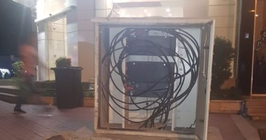 قارئ يشارك بصورة لكابينة كهرباء مكشوفة تثير رعب أهالى شارع عباس العقاد