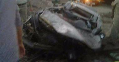 مصرع شخصين وإصابة 2 آخرين فى حادث انقلاب سيارة ميكروباص بقنا