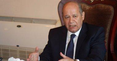 """""""أبو العزم"""" يتفقد عملية استقبال طلبات تعيين المتقدمين بوظيفة مندوب مساعد بمجلس الدولة"""