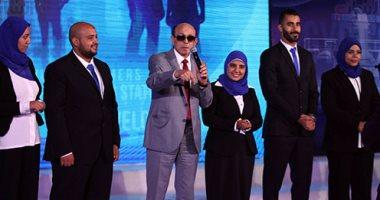 وزير القوى العاملة يشهد تخريج 100 متدرب بالخدمات البترولية بحضور محمد صبحى -