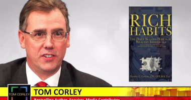 كتاب غير عاداتك غير حياتك توم كورلي