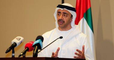 وزير الخارجية الإماراتى: نقف مع السعودية دومًا لأنها وقفة مع الشرف والعز