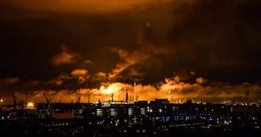 حريق هائل فى مصفاة حمص النفطية بسوريا