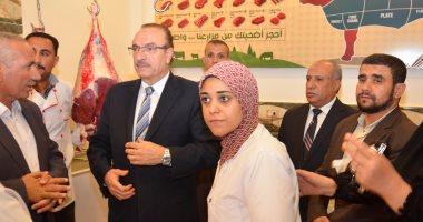 بالصور.. بعد نشر اليوم السابع قصتهن.. محافظ بنى سويف يزور محل جزارة لـ 3 طبيبات