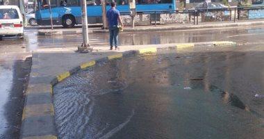 زحام مرورى أمام طيبة مول فى مدينة نصر  بسبب كسر ماسورة مياه
