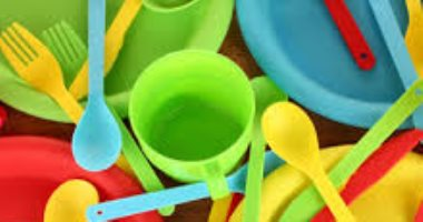 ضبط 6 أطنان مستلزمات إنتاج بلاستيك مجهولة المصدر بمنشأة ناصر