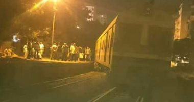 قارئ يشارك بفيديو للحظة خروج قطار أبو قير عن القضبان فى محطة المعمورة