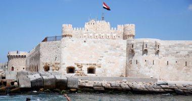 استياء سكندرى من أعمال حفر على لسان قلعة قايتباى