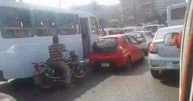تعرف على الحالة المرورية بمحاور وميادين القاهرة