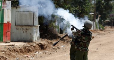 الشرطة الكينية تفرق شبانا هاجموا نساء فى اجتماع انتخابى
