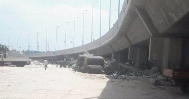أهالى المنشية البحرية بالإسكندرية يشكون سيطرة تجار الخردة على مكان خصص لموقف سيارات