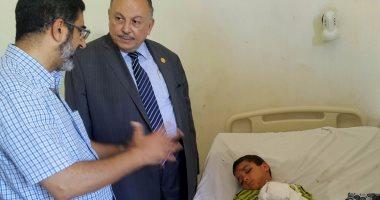 نائب وزير التعليم العالى يزرو مصابى حادث قطار الإسكندرية بالمستشفيات