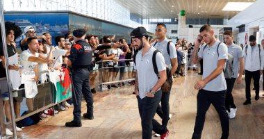 بالفيديو والصور.. استقبال حافل لريال مدريد فى برشلونة قبل الكلاسيكو