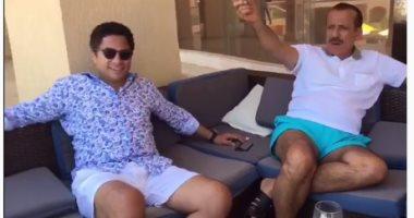 رجل الأعمال خلف الحبتور ينشر فيديو أثناء قضائه أجازته فى الساحل الشمالى