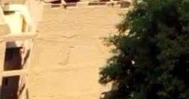 قارئ يشارك بفيديو للحظة انهيار 5 طوابق بعقار بسوهاج