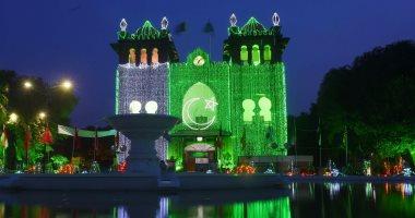 بالصور.. مبانى باكستان تتزين بالألوان احتفالا بعيد الاستقلال