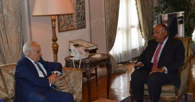 سامح شكرى يبحث جهود تسوية الأزمة الليبية مع المبعوث الأممى غسان سلامة