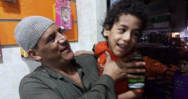 بالصور.. مأساة طفل يعانى من ضمور بالمخ وشلل وإصابة والدته بجلطة فى الغربية 