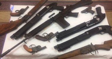 ضبط أسلحة نارية ومواد مخدرة بحوزة 9 عاطلين بكفر الشيخ