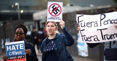 مواطنون أمريكيون  يتظاهرون فى الأرجنتين ضد سياسة ترامب