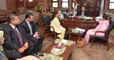 محافظ بنى سويف يناقش تفاصيل مشروع روتارى التحرير لتحسين جودة المنتج التعليمى