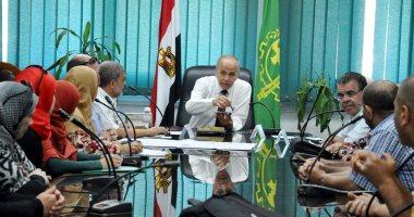 محافظ القليوبية يقف دقيقة حداد على أرواح الشهداء فى اجتماع المجلس التنفيذى