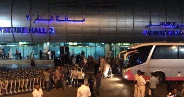 سلطات مطار القاهره تضبط 14 هاربا من تنفيذ أحكام وتحرر 50 مخالفة مرورية