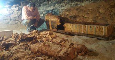 بالصور.. وزير الآثار يعلن اكتشاف مقبرة (كامب 390) لتاجر ذهب بالعصور الوسطى فى الأقصر