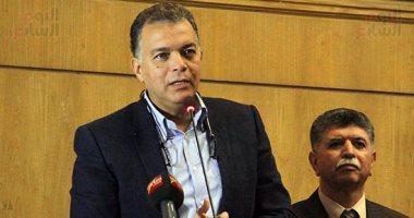 """"""" هشام عرفات """" وزير النقل يتفقد سير العمل بكوبرى طما بسوهاج والذى يتم إنشاؤه ب750 مليون جنيها"""
