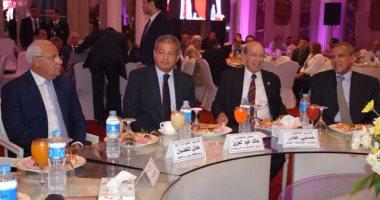 عبد العزيز يشهد تكريم رموز الرياضة فى احتفالية اليوبيل الذهبى لاتحاد الشركات