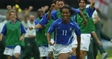 جول مورنينج.. البرازيلى رونالدينيو يضرب إنجلترا فى كأس العالم 2002