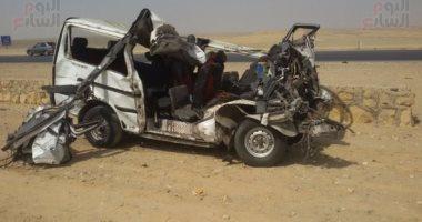 مصرع 15 شخصا فى تصادم سيارة بمقطورة مع ميكروباص على صحراوى بنى سويف
