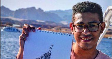 بالصور.. شاب يبرع فى رسم لوحات بألوان الزيت ويحلم بالعالمية