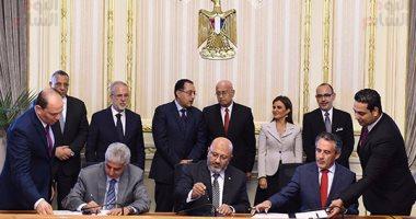 بالصور.. رئيس الوزراء يشهد توقيع اتفاقية تعاون لمشروعين تابعين لوزارة الإسكان