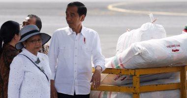بالصور.. رئيس إندونيسيا يشرف على قافلة مساعدات مرسلة لمسلمى الروهينجا