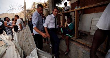 ماكرون لسكان الجزر المنكوبة: نتخذ التدابير اللازمة وسنعوضكم منازلكم